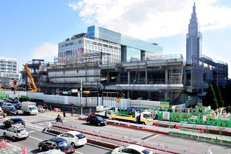 新宿駅南口地区基盤整備事業(新宿交通結節点整備)の工事