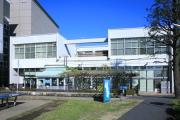 藤沢市南市民図書館