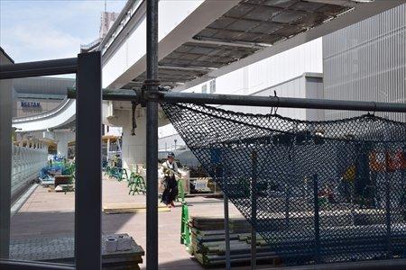立川駅南口側から見た整備中の新自由通路