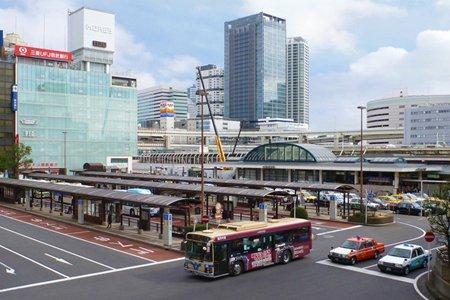 横浜駅西口広場
