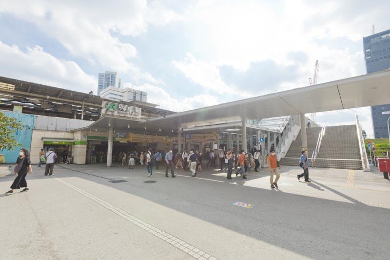 「中野」駅前